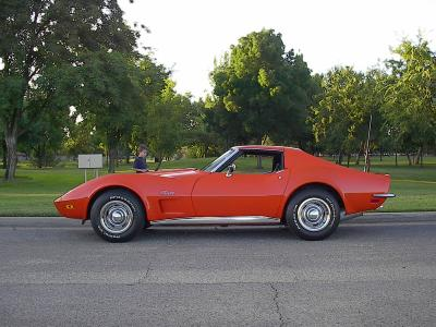 1973 corvette stingray with t-tops