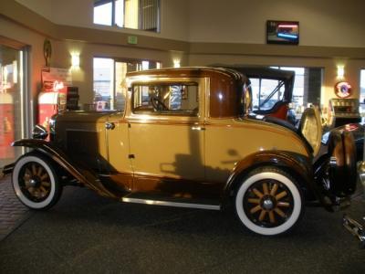 1930 Pontiac 2D Sedan
