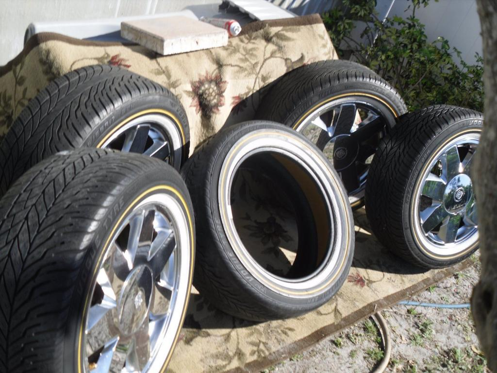"""Set Of 17"""" Cadillac Chrome Rims & Vogue Tyres For Cadillac"""